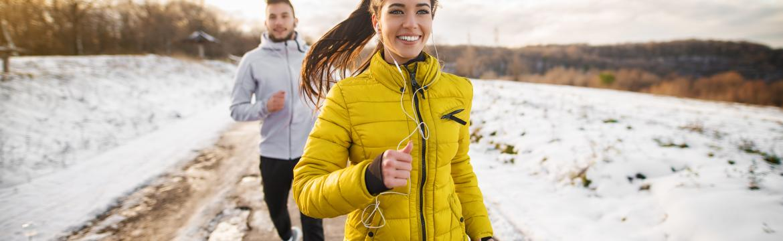 Syndrom běžeckého kolena trápí nejednoho nadšence do běhu. Co na to pomáhá?