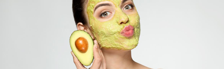 Domácí hydratační masky, které v zimním období potěší vaši pleť