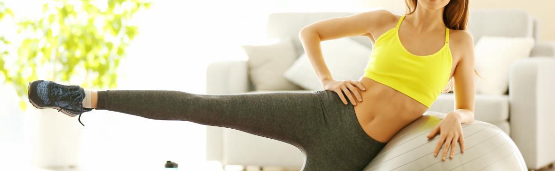 Cviky s gymnastickým míčem pro posílení středu těla