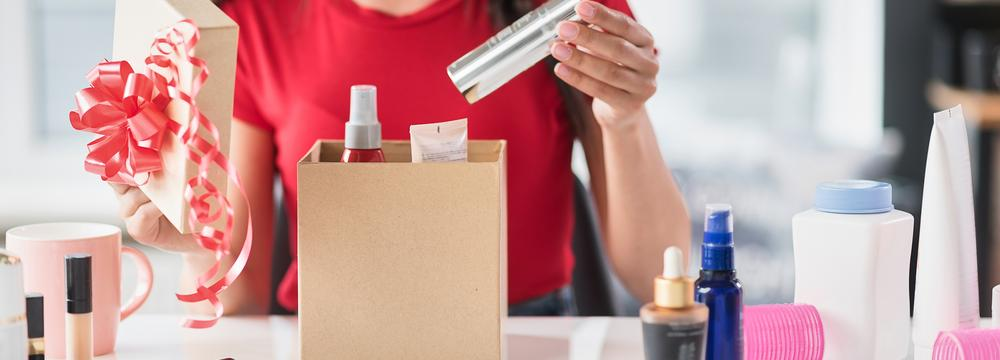 Kosmetika jako dárek: Na co myslet a čím se řídit při výběru