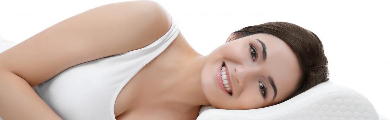 Jak správně spát, aby vás nebolela krční páteř?
