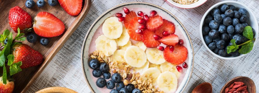 Hořká čokoláda nebo kus ovoce místo freshe – malé změny v jídelníčku, které vás provedou hubnutím