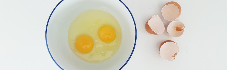 Zužitkujte zbylá vejce: Vyrobte si nápoj plný vápníku pro vaše klouby