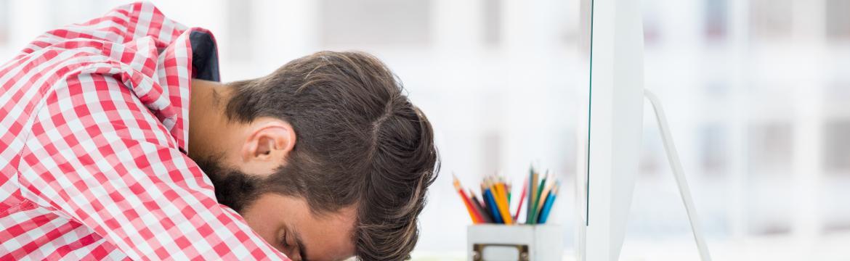 Jak předejít typické únavě po obědě? Dodržujte tato pravidla
