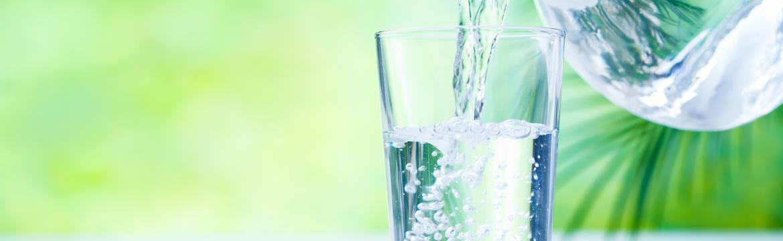 Pijte každé ráno vodu na lačno. Tělo se vám za to odvděčí