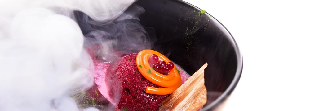 Tajemství molekulární kuchyně – tekutý dusík, zákusek z martini nebo svíčková pěna. Seznamte se!