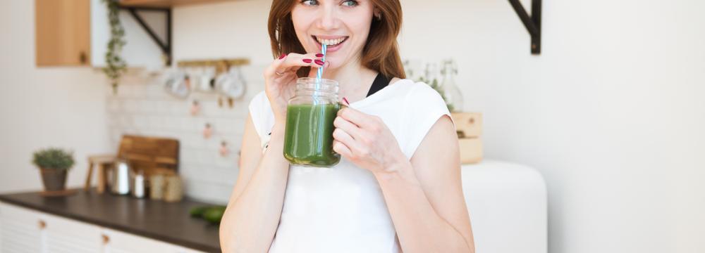 Zelené detox nápoje: po jedné skleničce zázraky nečekejte, tak v čem jsou výjimečné?