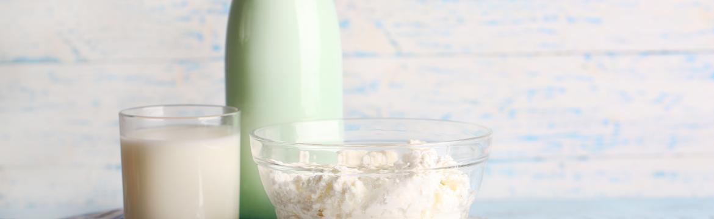 Kefír, zákys nebo podmáslí – jak se vyznat v zakysaných mléčných výrobcích?