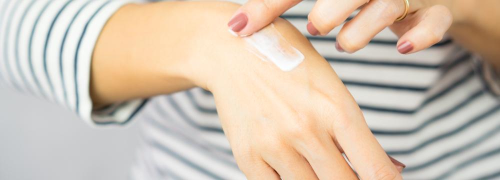 Jizvy: Jak o ně správně pečovat, aby splynuly s okolní kůží?
