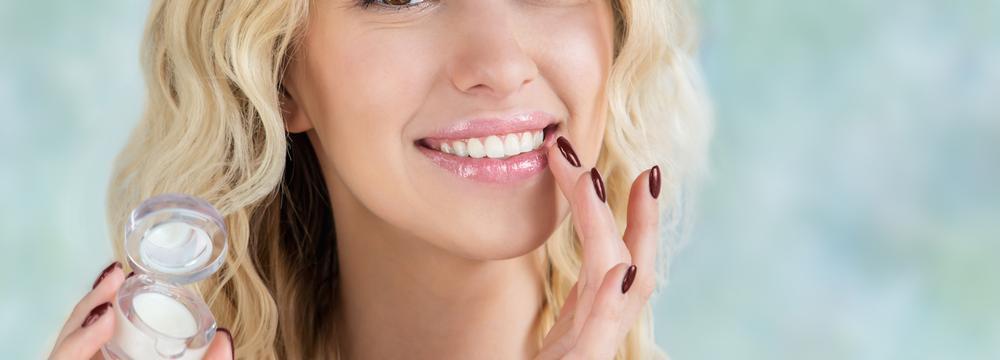 Dodržujte tyto zásady péče o rty a ani v zimě vám nezmizí krásný úsměv ze tváře