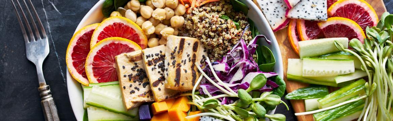 Rostlinná strava a cestování. Praktické rady pro začínající vegany