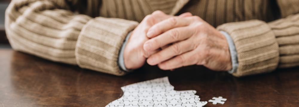 Podléháte negativním myšlenkám? Pozor, vědci spojují chronické negativní myšlení s demencí