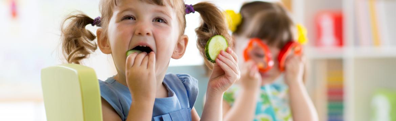 Jak naučit děti jíst více zeleniny a méně sladkostí?
