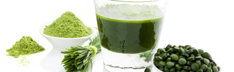 Zelený ječmen, chlorella a spirulina: Na co si dávat pozor u zelených potravin