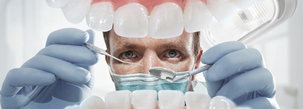 Návštěvu zubaře nezanedbávejte. Zubař může odhalit závažnější problémy než je zubní kaz