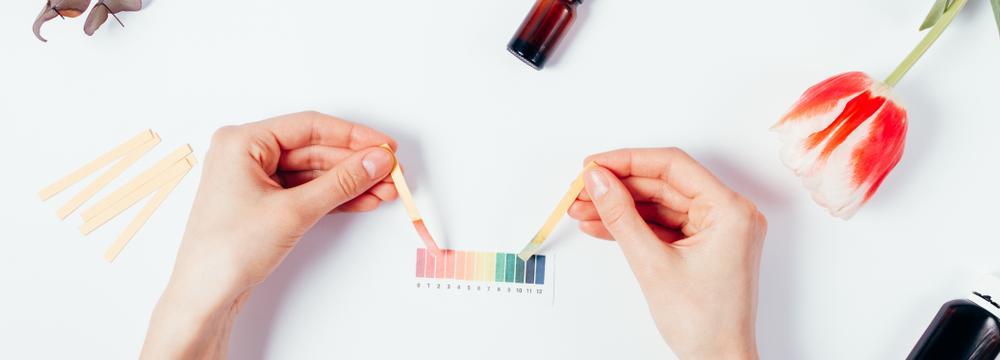 pH pokožky: Víme, co ho narušuje a jaká kosmetika ho dokáže napravit