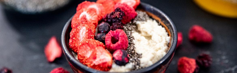 Mandlová kaše s lyofilizovaným ovocem