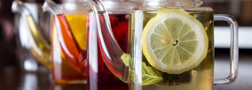 """Zelený, černý, ovocný či bylinný. Jaký """"čaj"""" je pro vás ten pravý?"""
