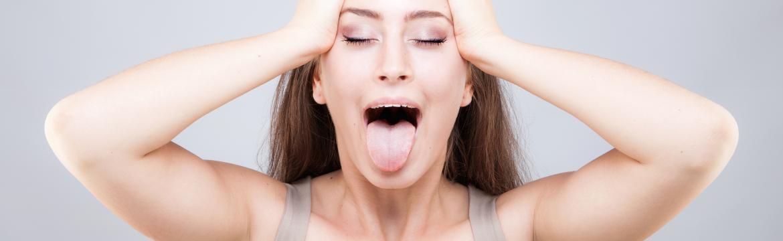 Bojíte se botoxu a krémy na vrásky nefungují? Vyzkoušejte obličejovou jógu!
