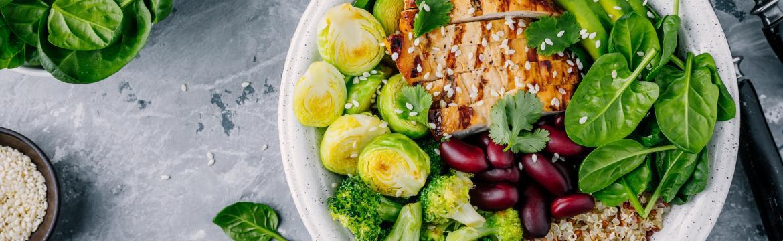 Chcete zhubnout, ale nechcete počítat kalorie? Stravujte se podle počtu hrstí, radí skandinávská dieta