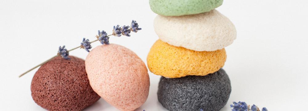 Vychytávka do koupelny: Konjaková houbička jako chytrý pomocník pro péči o pleť