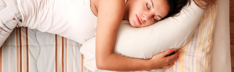 Máte problém s večerním usínáním? Vyzkoušejte tyto tipy na rychlé usnutí
