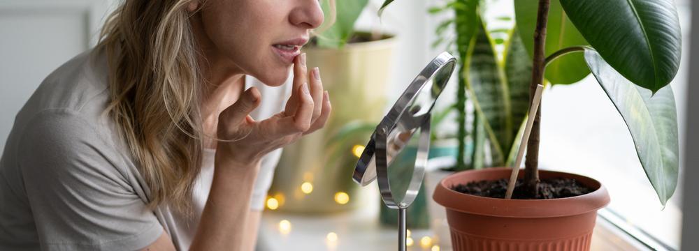Přírodní péče o rty a pokožku v zimním období
