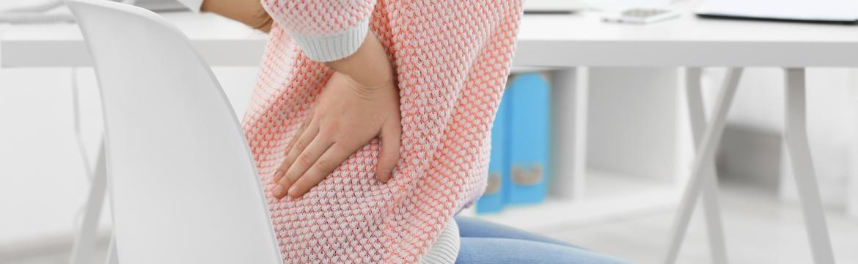 Trápí vás bolesti zad ze sedavého zaměstnání? Zbavit se jich vám pomůže obyčejná židle