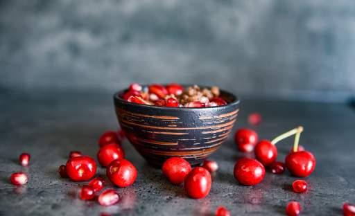 Kakaová quinoa s třešněmi