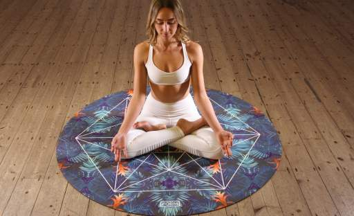 Zvyšte svou vitalitu pravidelnou praxí hatha jógy