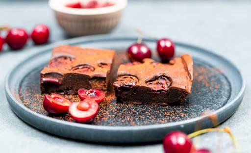 Čokoládové brownie s třešněmi