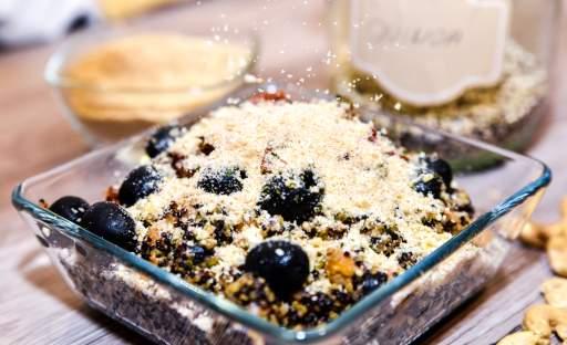Quinoa s veganským parmazánem