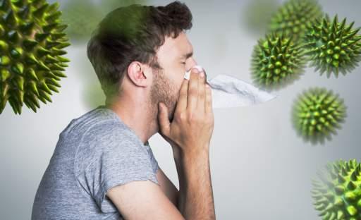 Jak se bránit nákaze? Speciální dechové cvičení na podporu plic a vhodný doplněk stravy