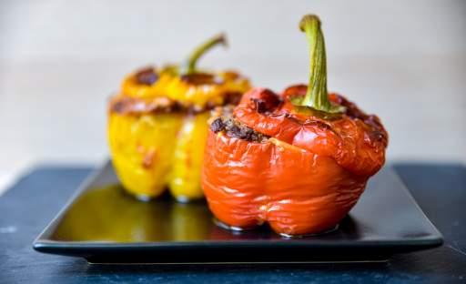 Zapečené plněné papriky s hovězím masem