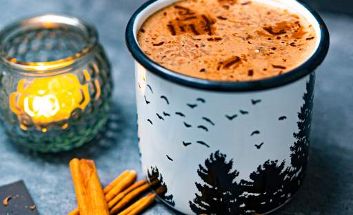 Horká čokoláda se strouhaným perníkem