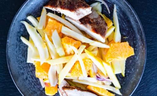 Fenyklový salát s jablky a pomeranči