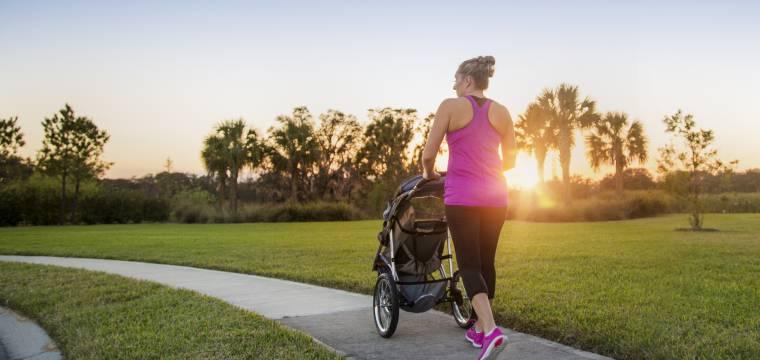 Jak se po porodu dostat do formy přirozeným a zdravým způsobem?