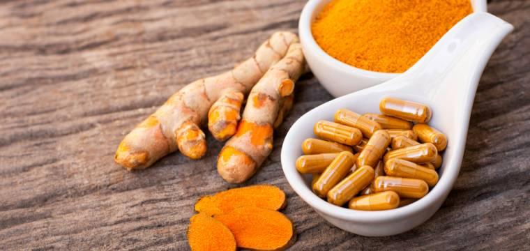 Kurkuma – tradiční přírodní lék, se kterým však musíte opatrně. Kdy není vhodná?