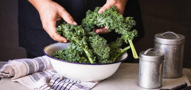 Kadeřávek: nedoceněná zelenina plná vápníku a vitamínu C!