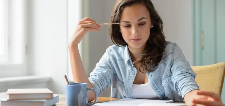 Učení, zkouška, výběrové řízení nebo prezentace: Co jíst a co vynechat když se potřebujete soustředit