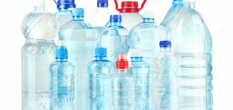 Plastové obaly nápojů a kontroly bezpečnosti potravin v době koronakrize