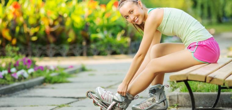 Venkovní sport, při kterém si dáte do těla a rychle zhubnete. Oprašte kolečkové brusle!
