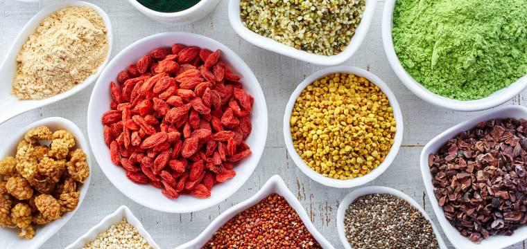 Superpotraviny: Které za to opravdu stojí a za které se utrácet nevyplatí?