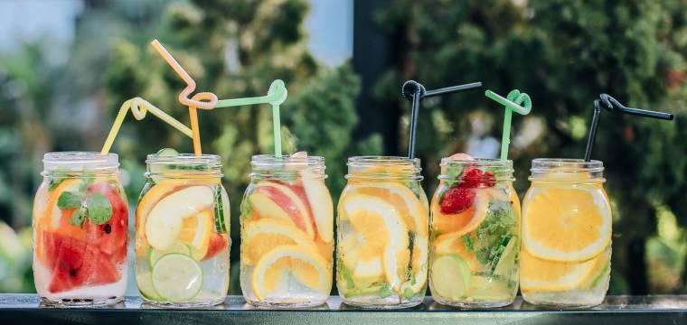 Zmrzliny, limonády, alkohol. Jak vyzrát na letní pokušení?