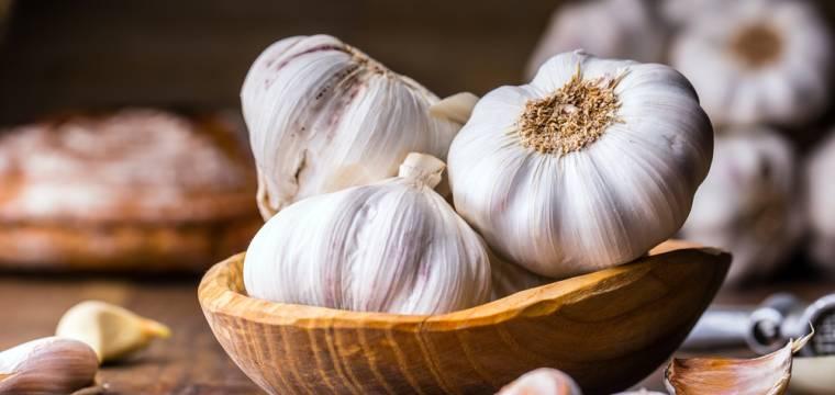 Česnek a jeho léčivé vlastnosti: V čem je unikátní?