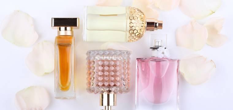Výběr vhodného parfému pod vánoční stromeček krok za krokem