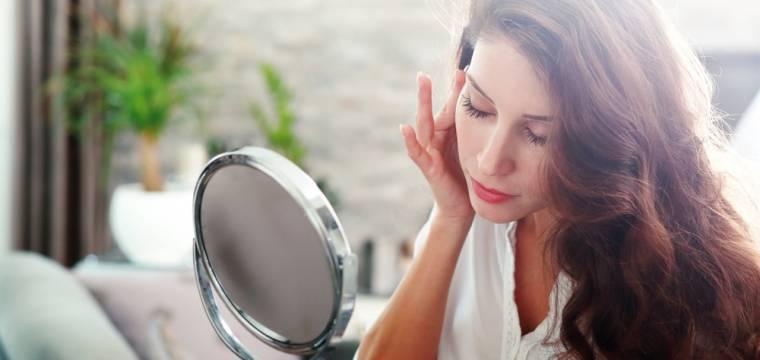 Potraviny pro zdravou pokožku bez vrásek: Co jíst a čemu se naopak vyhnout?