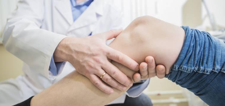 Zraněný meniskus: kdy stačí fyzioterapie a kdy už je nutná operace?