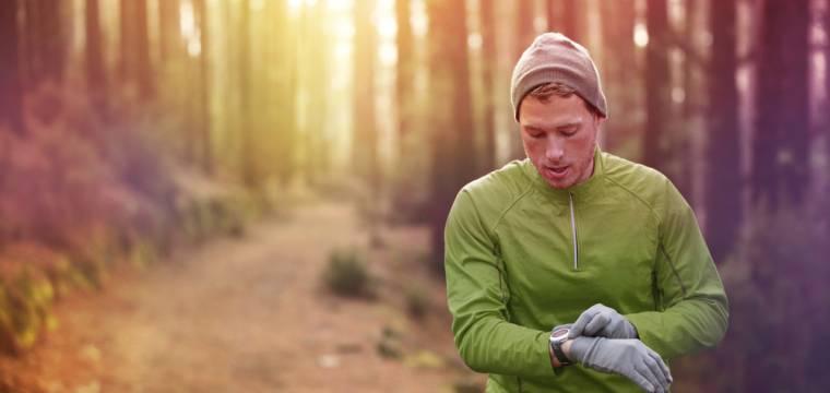 Pohyb venku: Jak se vhodně obléci do listopadového vlhkého počasí?