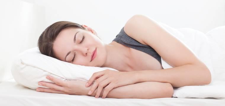 Rozlučte se s nespavostí. Kvalitní spánek pomůže navodit kombinace obyčejných věcí